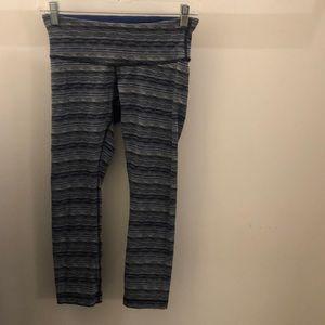 Lululemon blue black white crop legging, sz 4